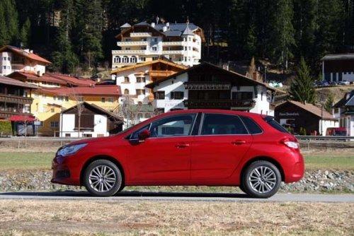 Prodám Citroen C4 1.6 HDI. Vůz má najeto 151000 km a je ve výborném stavu. První majitel.