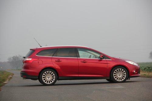 Prodám Ford Focus Combi 2.0 TDCI Powershift. Vůz má najeto 116000 km a je ve výborném stavu. Druhý majitel.