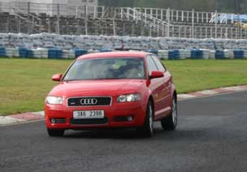 Audi A3 3.2 DSG Quattro - vzrušení na kolech (TEST)