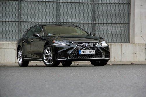 Lexus LS 500h – provokatér nejvyšší třídy (+ srovnání s LS 500)
