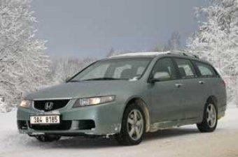 Trojrozměrný prostor - Honda Accord Tourer 2.2 i-CDTi (TEST)