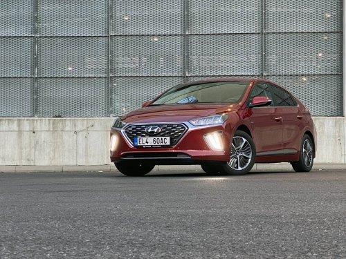 Hyundai Ioniq PHEV 1.6 GDI – úspory z elektrické zásuvky