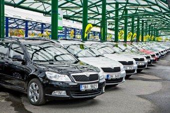V pondělí otevřou prodejci nových i ojetých vozidel