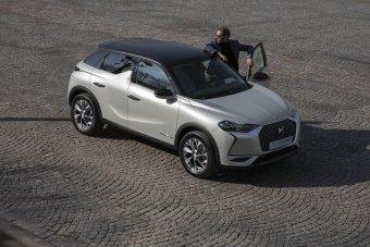 Nový elektromobil DS 3 Crossback E-Tense nabízí dojezd až 320 kilometrů