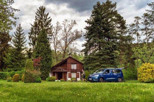 Vlastním autem na dovolenou letos vyrazí 65 procent Čechů, o pětinu víc než loni