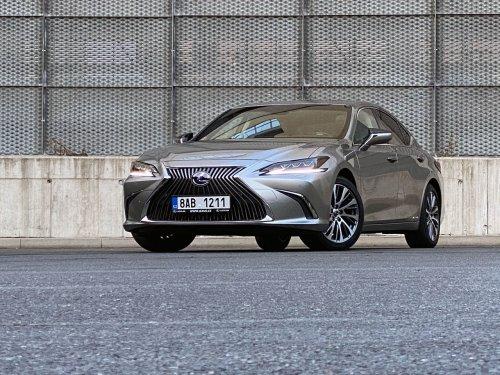 Lexus ES 300h – vytříbený styl