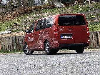 Toyota Proace Verso Nomad 2.0 D-4D 180 8 A/T – kompaktní cestovatel