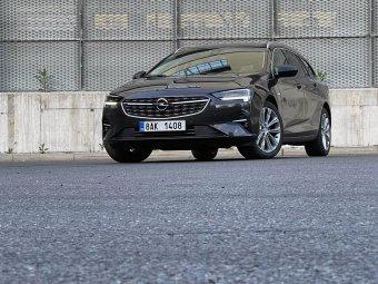 Opel Insignia Sports Tourer 2.0 CDTI AT8 – stará láska nerezaví