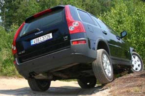 Šepot květin - Volvo XC90 V8 (TEST)