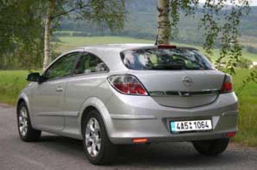 Opel Astra GTC 1.9 CDTI - kupé jak má být (TEST)