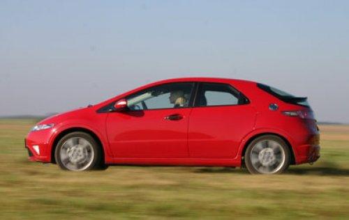 Honda Civic 1.8 GT - pubertální Type-R (TEST)