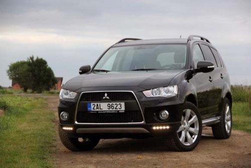 Mitsubishi Outlander 2.2 DI-D MIVEC - agilní a úsporné SUV do terénu (TEST)