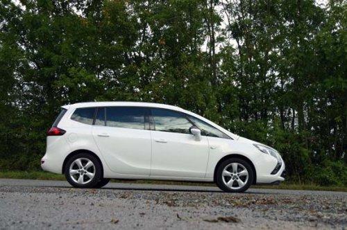 Opel Zafira Tourer 2.0 CDTi - nové MPV s výrazem atleta (TEST)