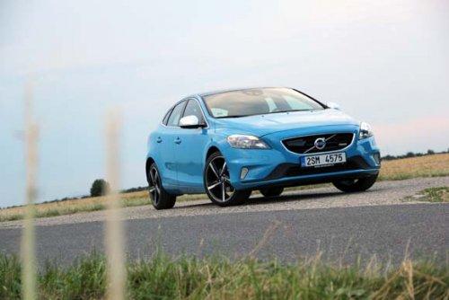Volvo V40 T3 R-design - modrá je dobrá (TEST)