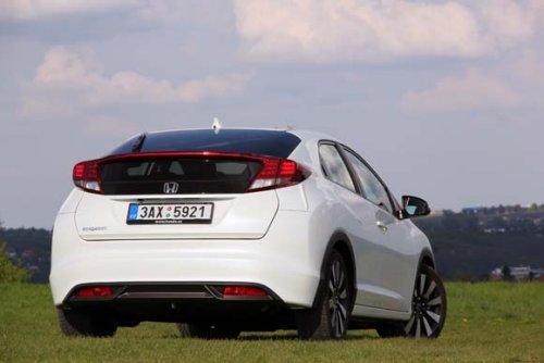 Hurá do zatáček - Honda Civic 1.8 i-VTEC Sport (TEST)