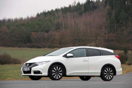 Honda Civic Tourer 1.8 i-VTEC ADAS 1 - bezpečí na druhou (TEST)