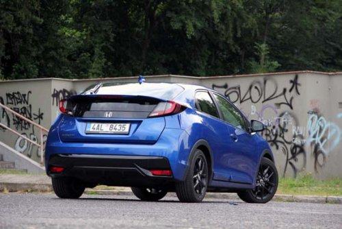 Honda Civic 1.8 i-VTEC Sport - prostě jinak (TEST)