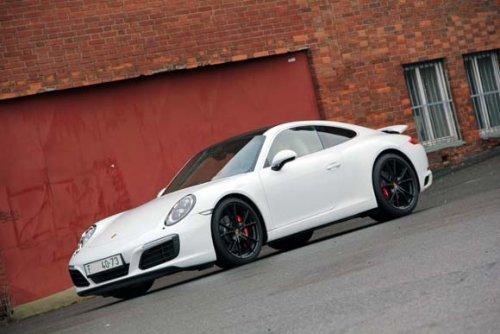 Boxer na lopatkách - Porsche 911 Carrera S (TEST)
