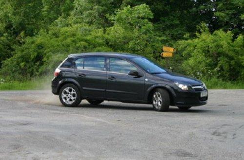 Vydařená novinka se špičkovou technikou - Opel Astra 1.7 CDTI (TEST)