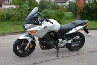 Když málo znamená hodně - Honda CBF600S (TEST)