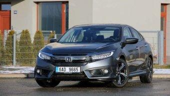 Honda Civic 4D - 1.5 VTEC Turbo - originál každým coulem (TEST)