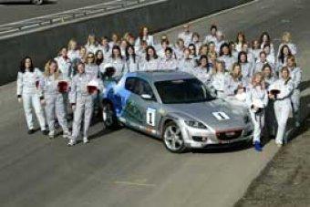 Seriál závodů RX-8 Formula Woman 2004