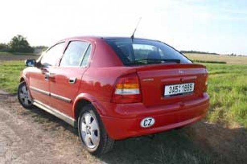 Sympatická rodinka - Opel Astra Classic 1.4 16V (TEST)
