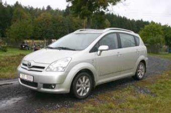 """Prostorná """"verze"""" - Toyota Corolla Verso 1.8 VVT-i (TEST)"""